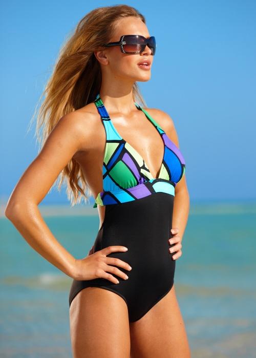 Elisandra Tomacheski - Venus swimwear (47 работ)