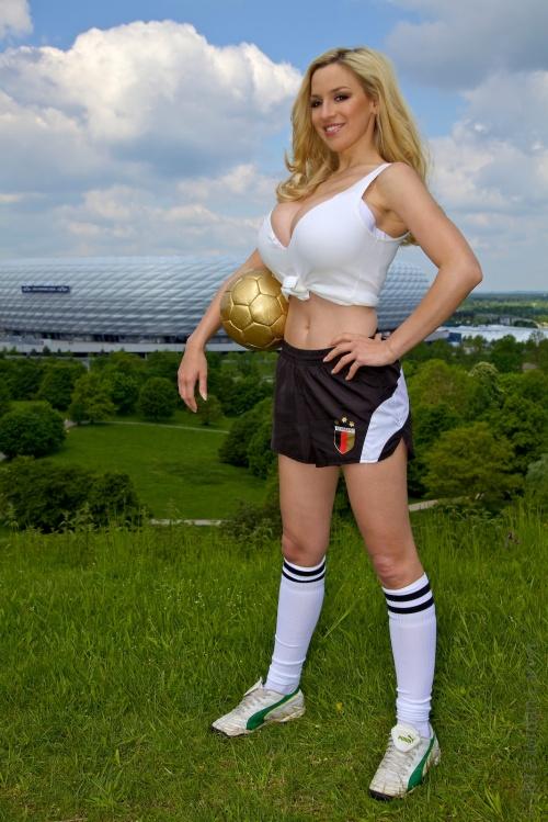 Jordan Carver - Soccer Girl / Джордан Карвер - Футболистка (22 фото) (эротика)
