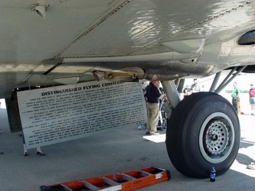 Американский тяжелый бомбардировщик Boeing B-17G Flying Fortress (89 фото)