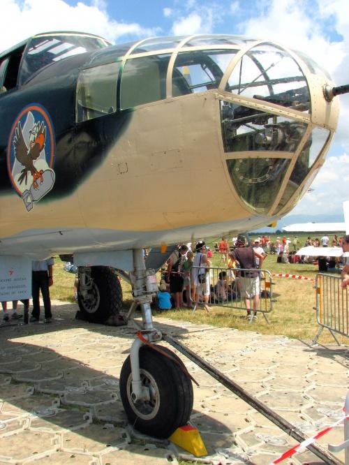 Американский бомбардировщик B-25J Mitchell (27 фото)