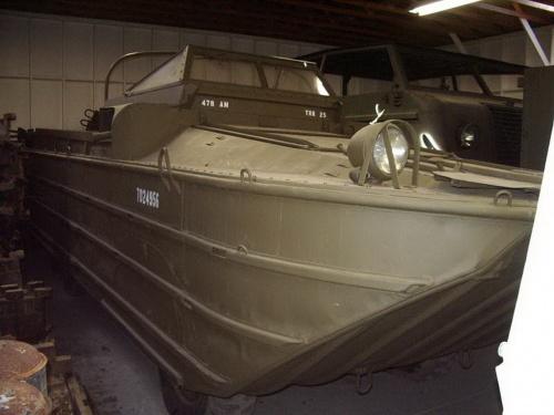 Американский плавающий автомобиль DUKW (61 фото)