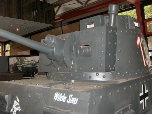 Чешский легкий танк Panzer 38(t) (24 фото)