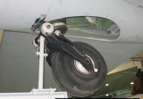 Английский бомбардировщик de Havilland Mosquito B35 (32 фото)