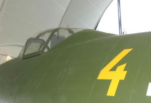 Немецкий реактивный истребитель Messerschmitt Me 262A-2a Schwalbe (20 фото)