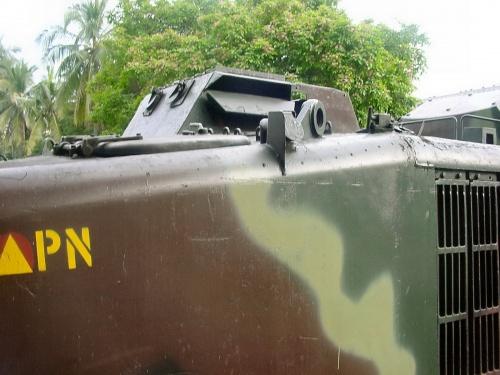 Американский бронетранспортер LVTP6 (34 фото)