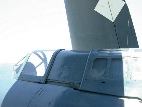 Американский палубный бомбардировщие SB2C Helldiver (58 фото)