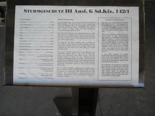 Немецкое штурмовое орудие StuG III (47 фото)
