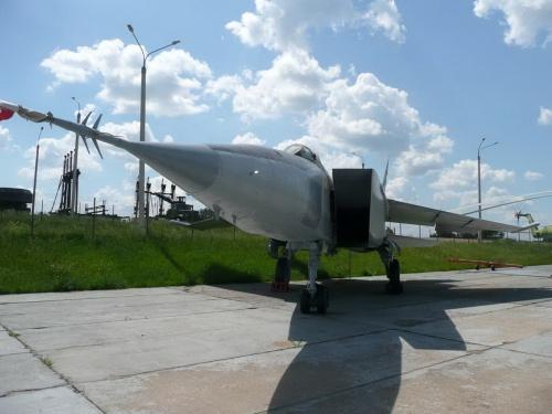 Советский самолет-разведчик МИГ-25РБ (92 фото)