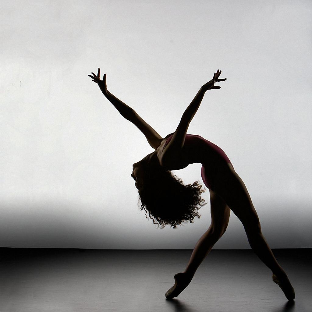 Танец с элементами стриптиза 25 фотография