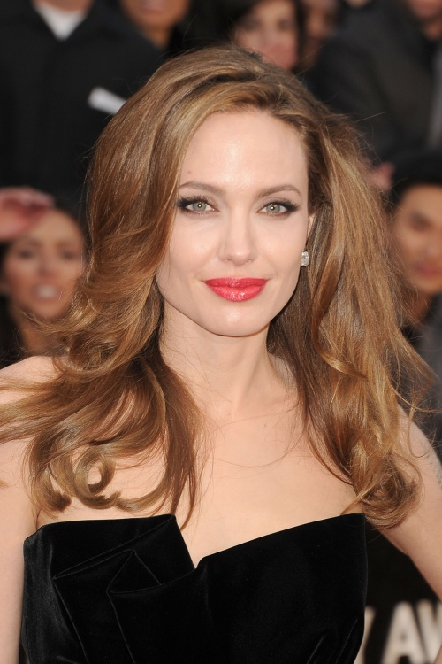Angelina Jolie - The Oscars 2012 (84th Academy Awards) (41 фото)