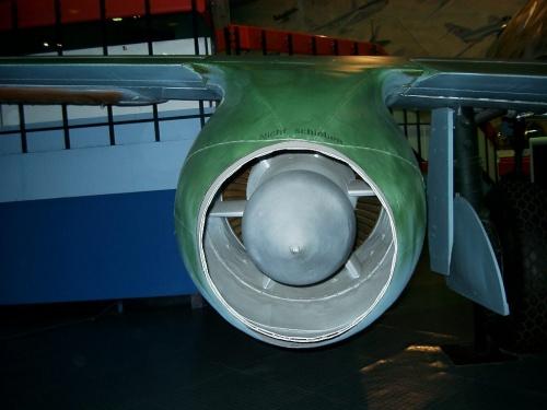 Немецкий реактивный истребитель ME-262 USAF Museum (63 фото)