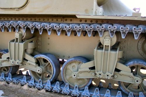 Фотообзор - американский средний танк M3A1 Lee (51 фото)