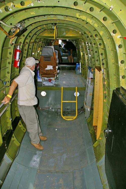 Английский тяжелый бомбардировщик Lancaster (FM213) (106 фото)