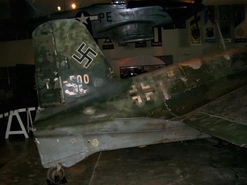 Немецкий ракетный истребитель Messerschmitt Me163 Komet (42 фото)