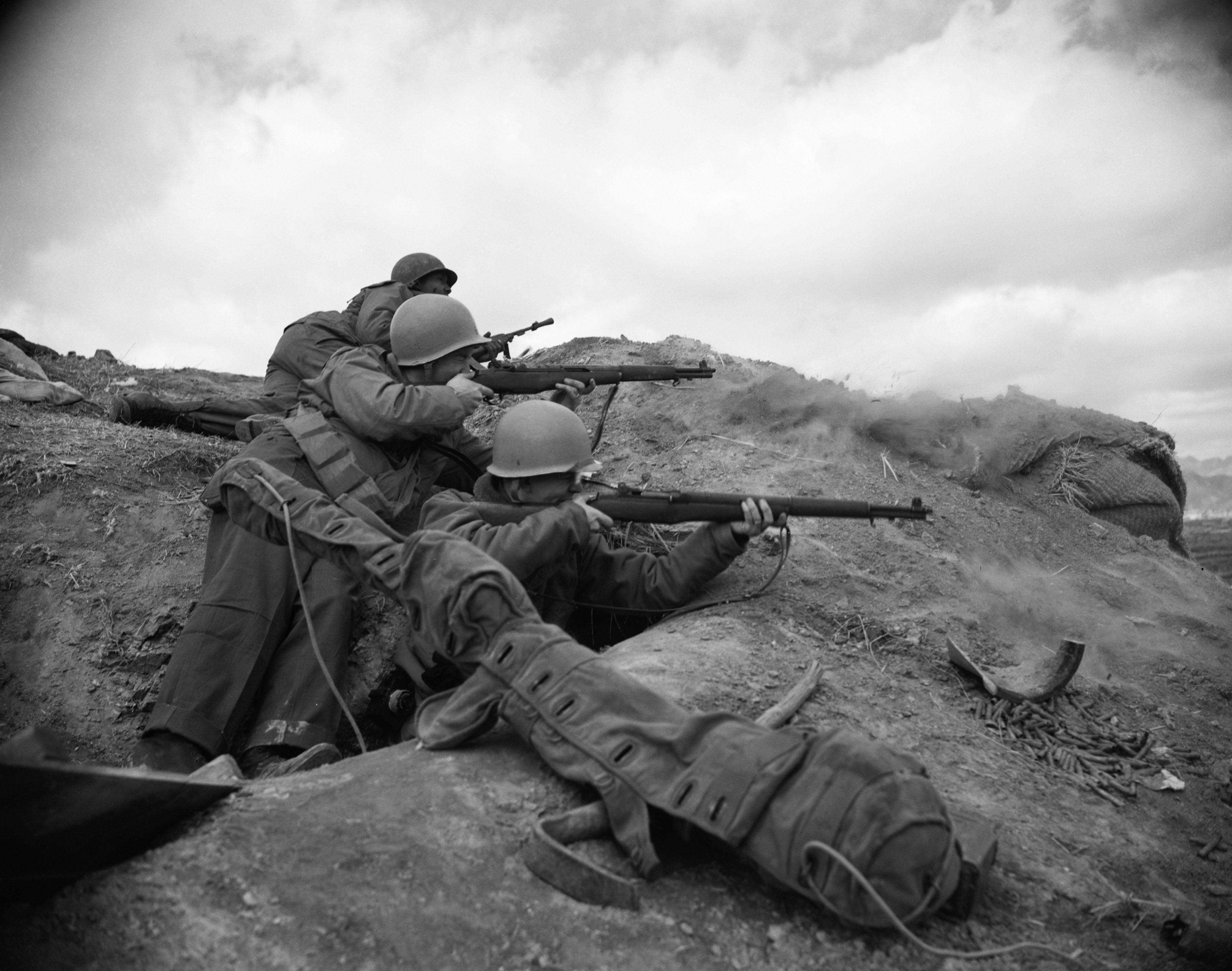 Черно белое военное фото
