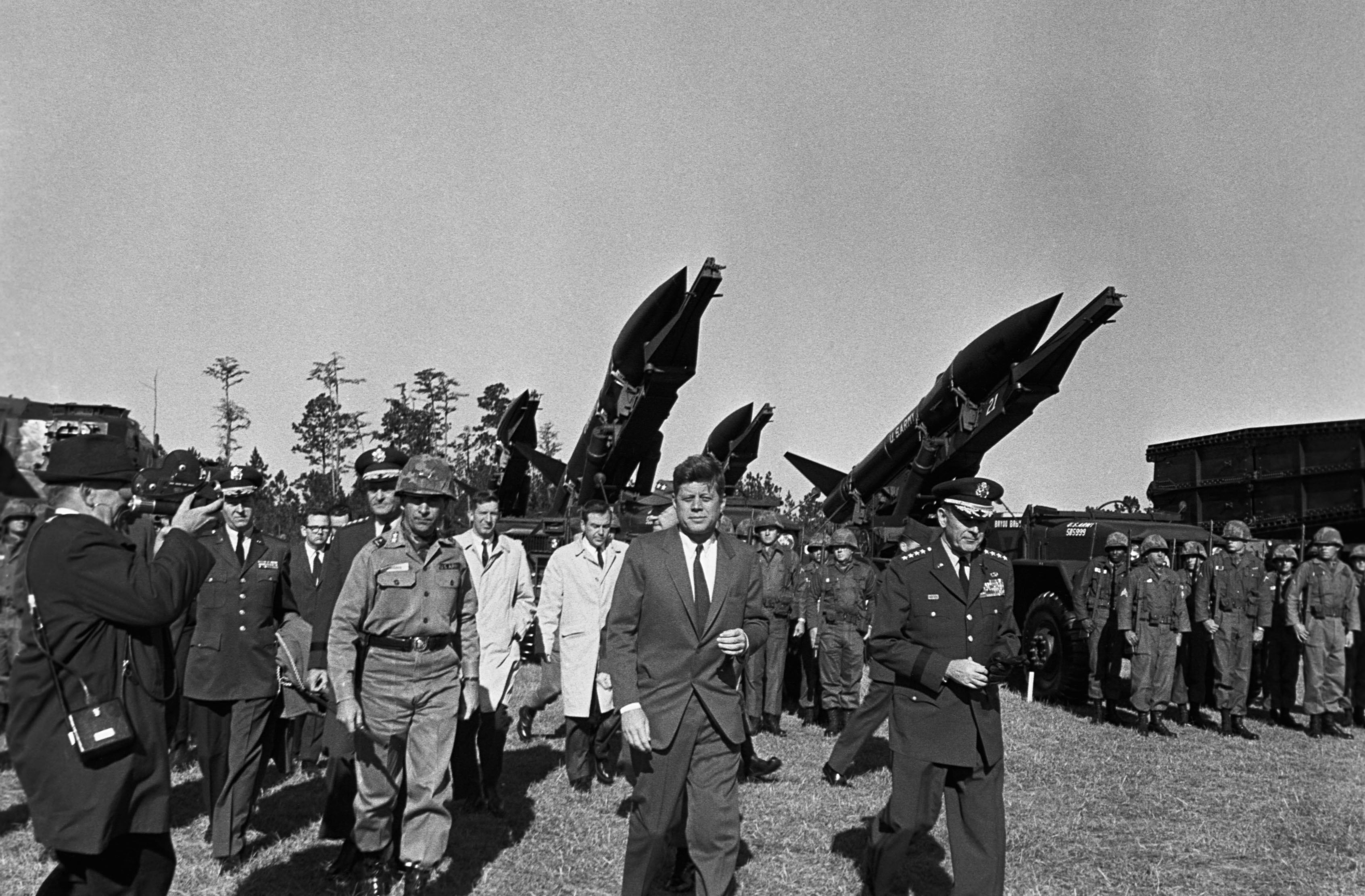 the background history of the cuban missile crisis Prelude the cuban missile crisis of october 1962 was one of the turning points of the cold war between the united states and the soviet union.