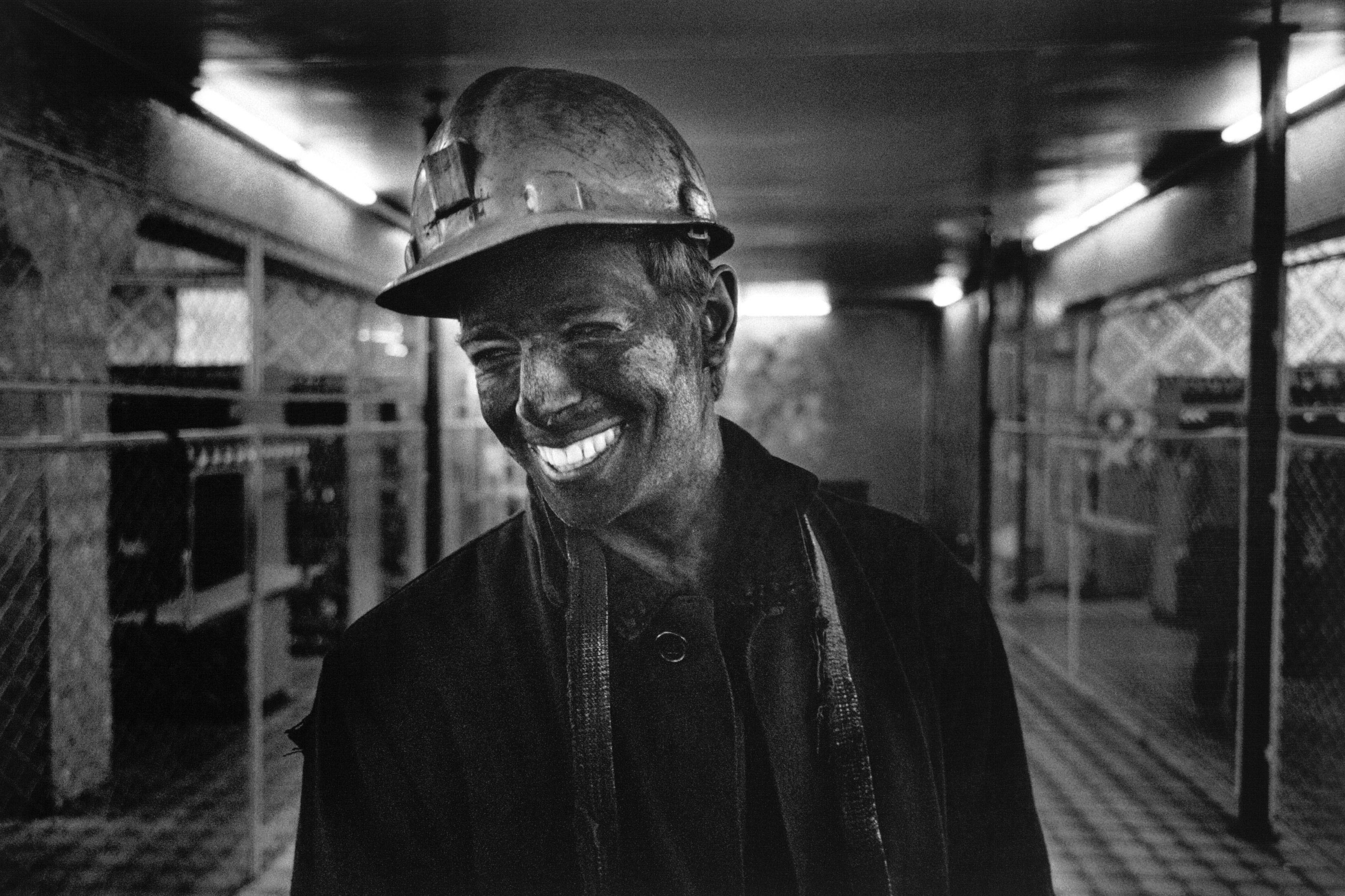 Фото черно белое принадлежности шахтеров