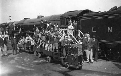 Фото: Странный транспорт из прошлого (36 фото)
