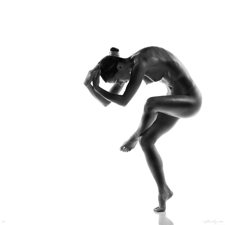 Грация черно белой эротики — pic 13