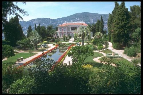 Загородные дома коттеджи (20 фото)