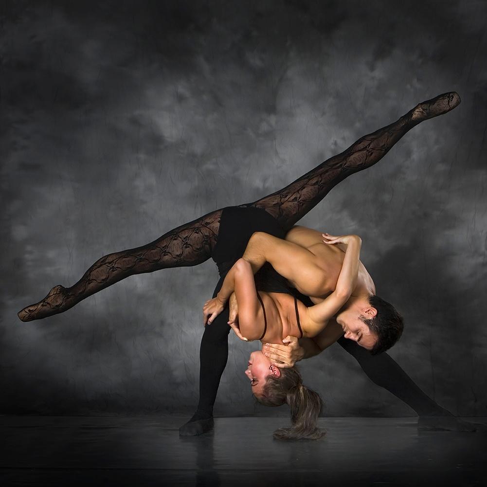 Этотический приватный танец в баре онлайн 6 фотография
