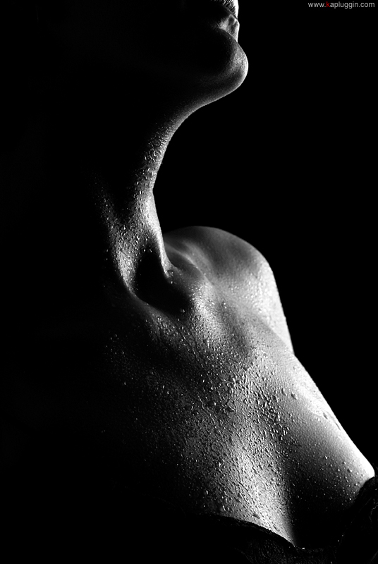 molodie-golie-v-bane-foto