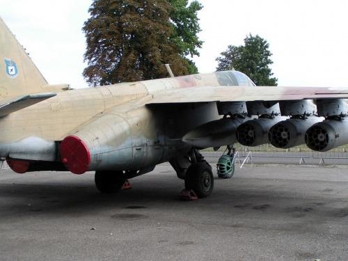 Советский штурмовик СУ-25 (23 фото)