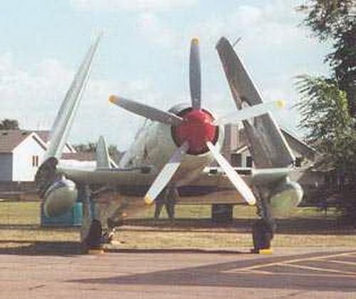 Истребитель Австралийских королевских ВВС Hawker Sea Fury (25 фото)