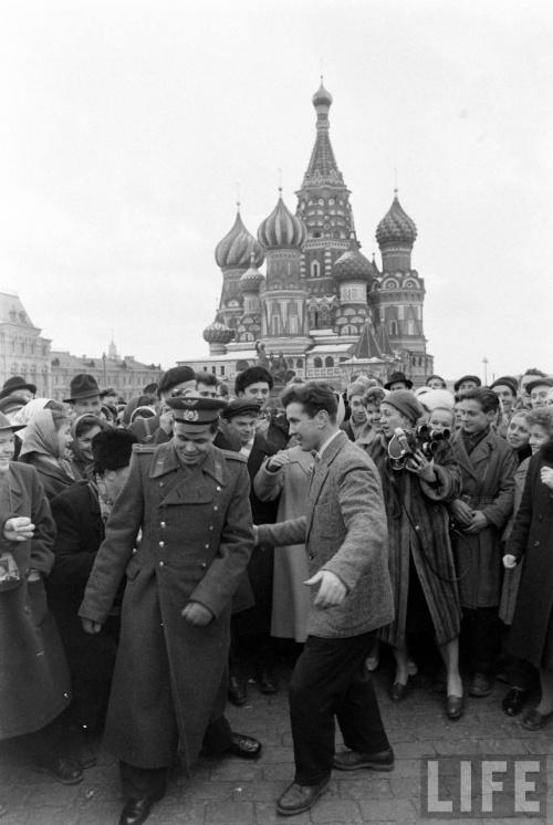 Юрий Гагарин - редкое фото (48 фото)