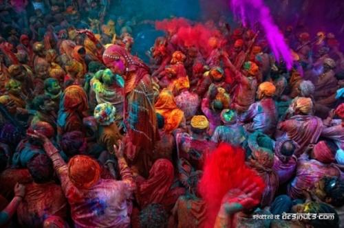 Фестиваль Красок Холи в Индии в 2009 году (Holi, Festival of Colours) (18 фото)