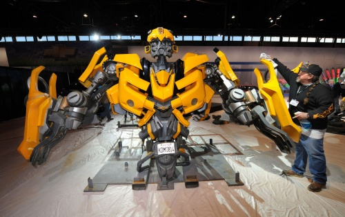 Autobot Bumblebee from Transformers 2 (11 фото)