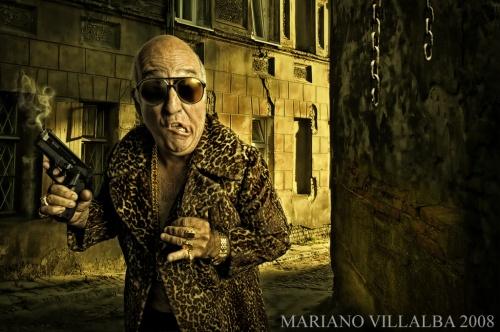 Девушки и гангстеры от Mariano Villalba (33 фото) (эротика)