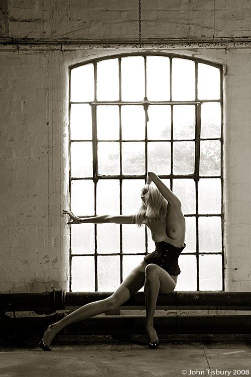 Эротические работы (2005-2008г) фотографа John Tisbury (79 фото) (эротика)