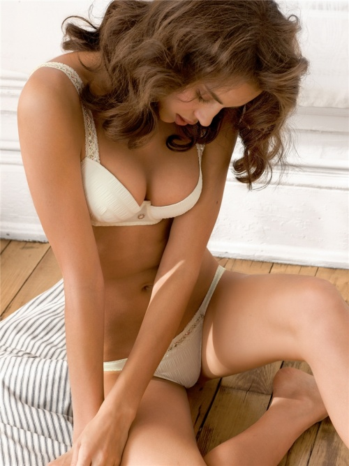 Irina Sheik для Intimissimi Underwear Women's Collection Summer 2009 (32 фото)