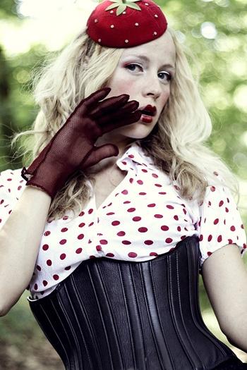 Фотограф Лилия Корнели (Lilya Corneli) (79 фото) (эротика)
