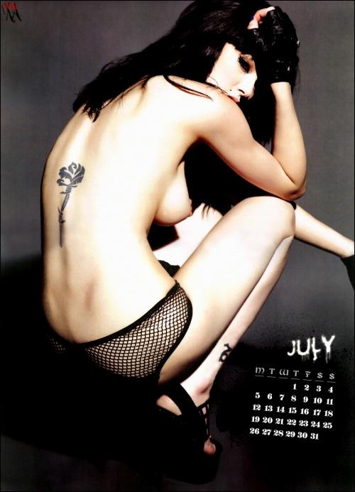 Оффициальный календарь Vikki Blows 2010 (14 фото) (эротика)