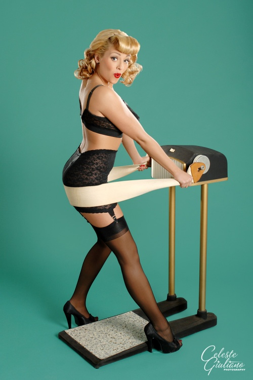 Celeste Giuliano - фото в стиле Pin-up (44 фото) (эротика)