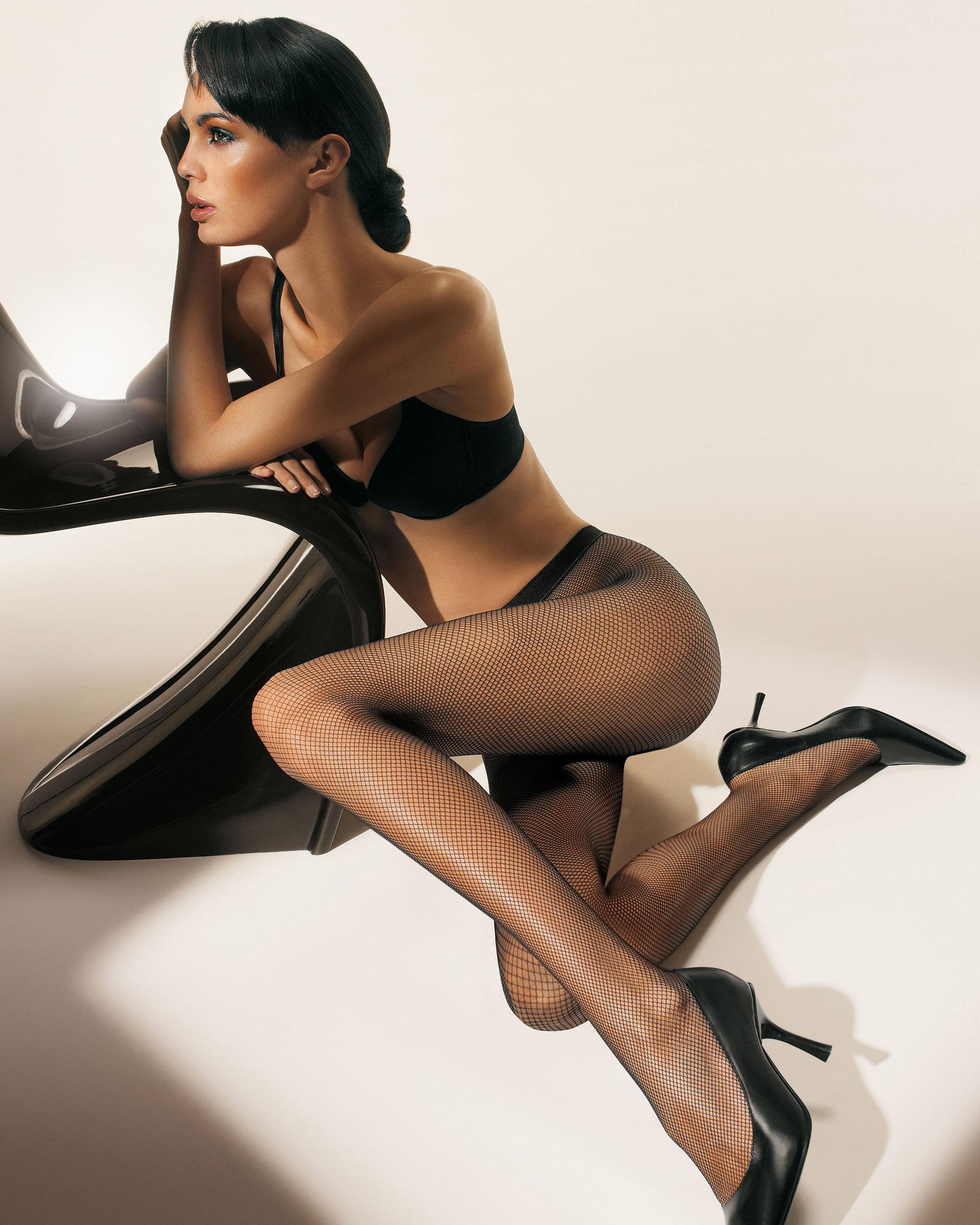 женское нижнее белье чулки колготки реклама фото и видеомоделями латиноамериканская сволочь эсперанса