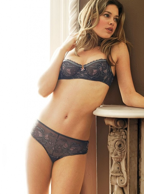 Doutzen Kroes – Lingerie Photoshoot (24 фото)