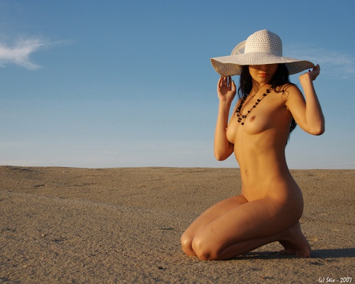 Nude Photos 20 (32 фото) (эротика)