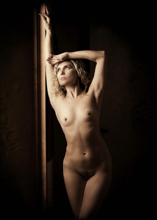 Nude Photos 21 (38 фото) (эротика)