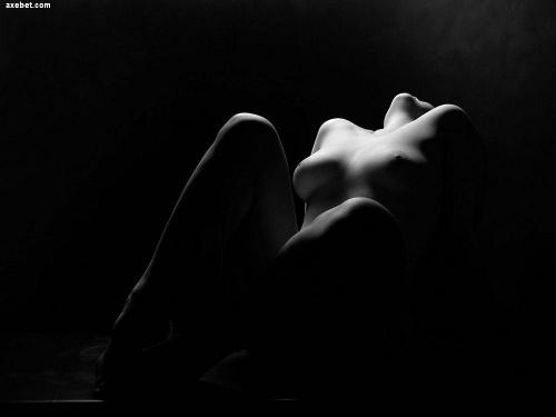 картинки эротические черно белые картинки