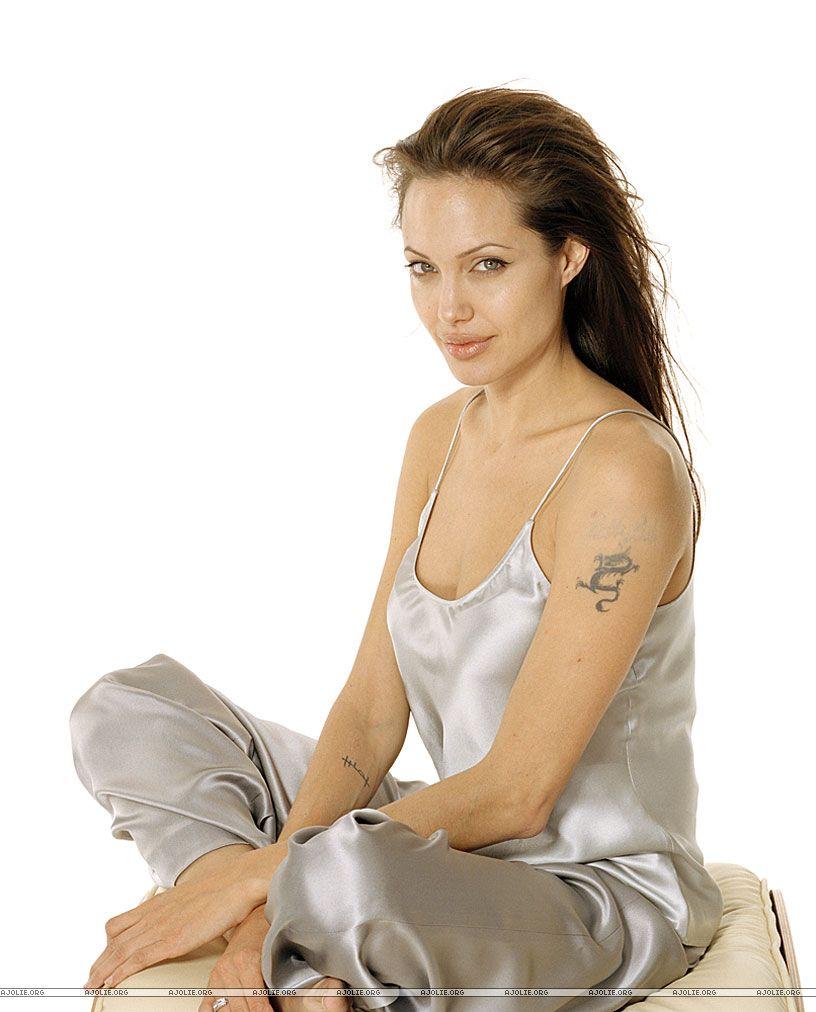 Angelina jolie fotos sin ropa interior