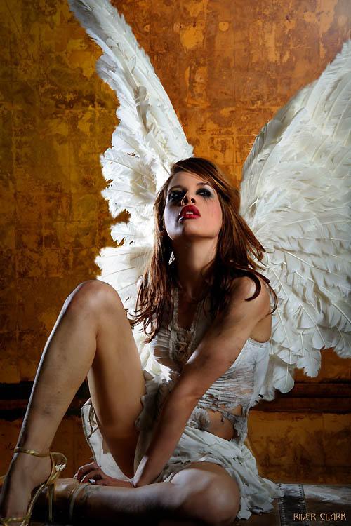 seksualnaya-devushka-angel