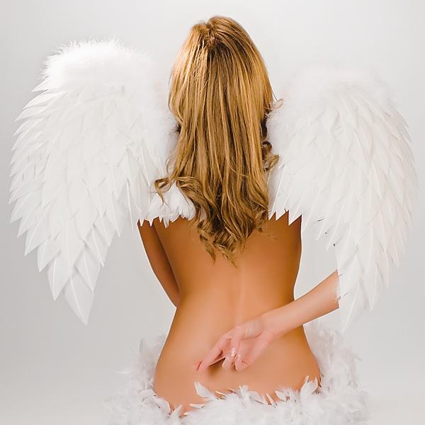 Эротические девушки в виде ангелов