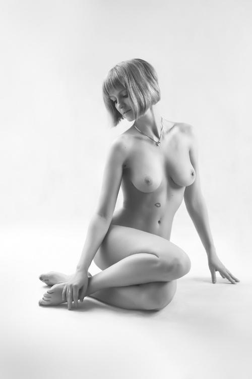 Фотографии девушек от различных фотографов (96 фото) (эротика)