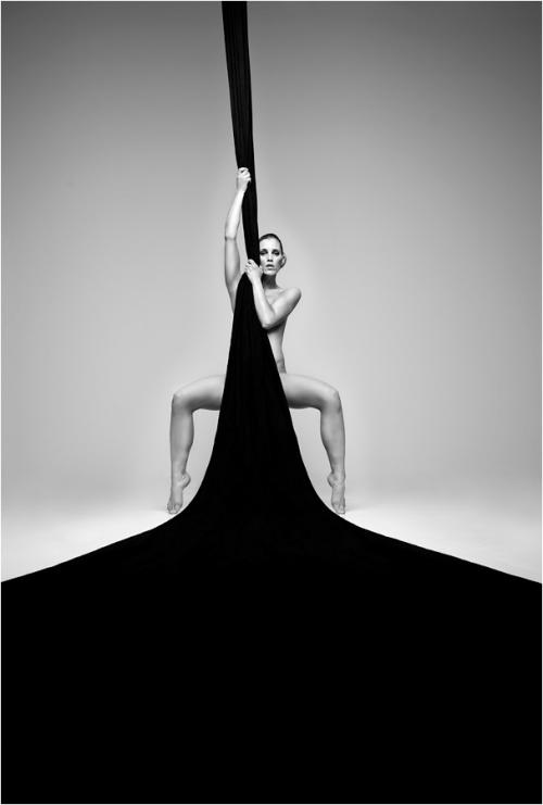 Подборка черно-белых фотографий в стиле artnu (820 фото) (эротика)