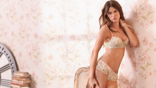 Bianca Balti - Intimissimi Woman's Underwear Summer 2010 (30 фото)