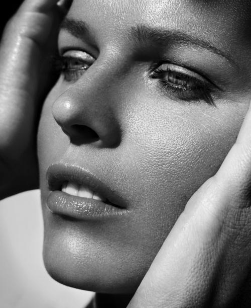 23 Eva Herzigova – Vincent Peters Photoshoot (23 фото) (эротика)