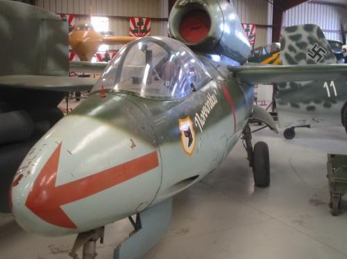Немецкий истребитель Heinkel He-162-1a Volksjager (61 фото)